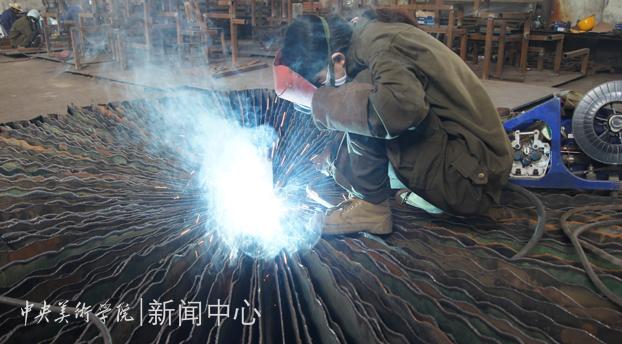 《新九龙壁》等53件雕塑激活大同工业遗址